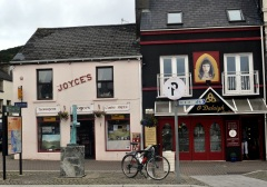 Ireland 2014 pic 11 Clifden street scene in Connemara