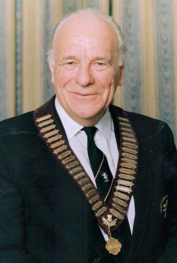 Dalgleish - Douglas - front1.jpg obituary
