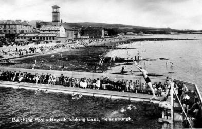 Helensburgh Baths on a bust summer day
